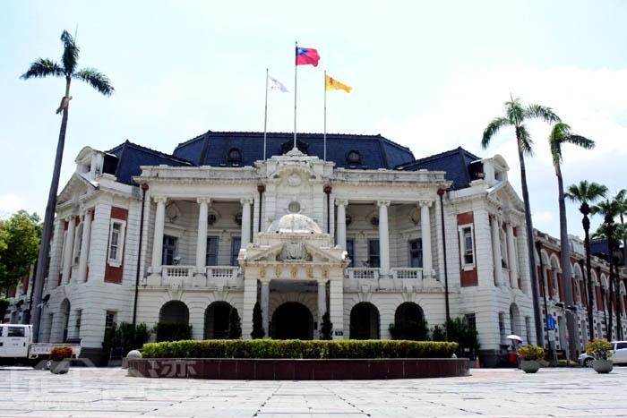 建於大成二年(1913年),為日治巴洛克建築,原名為台中州廳,現在是舊台中市政府。/玩全台灣旅遊網特約記者阿辰攝