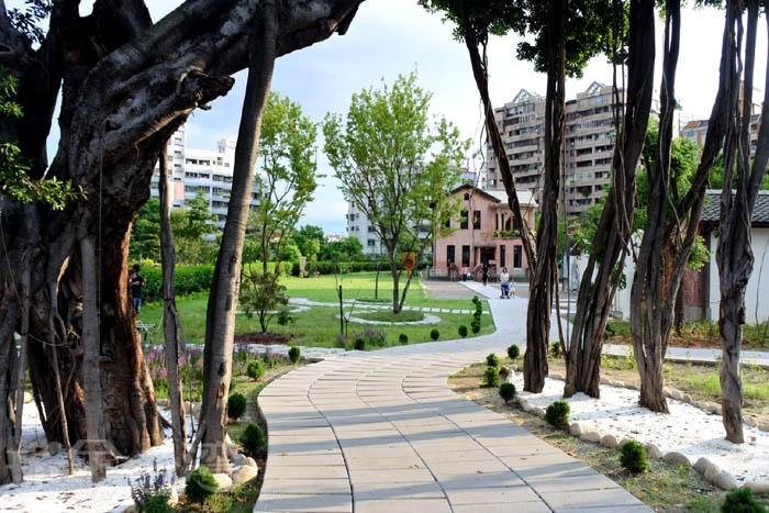 原林懋陽故居,建於大正13年至昭和5年(1924年~1930年),建築物包含三合院跟洋樓。/玩全台灣旅遊網特約記者阿辰攝