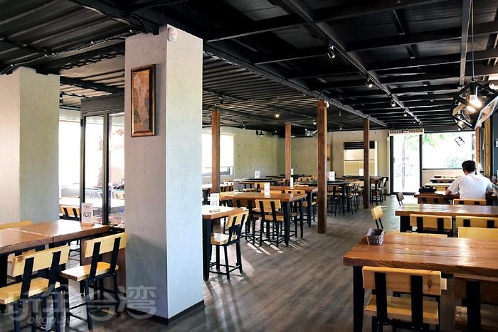 落羽松景觀池旁有一間澄香堂餐廳,營業時間10:00~21:00/玩全台灣旅遊網特約記者阿辰攝