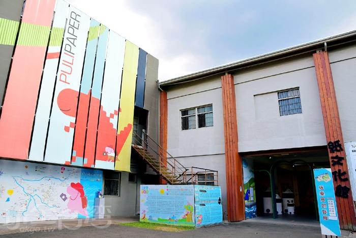 紙文化館有提供定時導覽/玩全台灣旅遊網特約記者阿辰攝