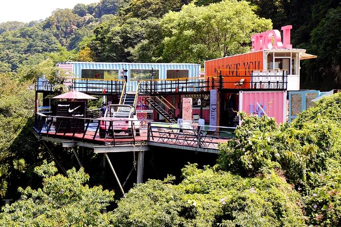 [內灣愛情故事館]以拍照為主題的餐廳,位於攀龍吊橋的橋頭邊/玩全台灣旅遊網特約記者阿辰攝