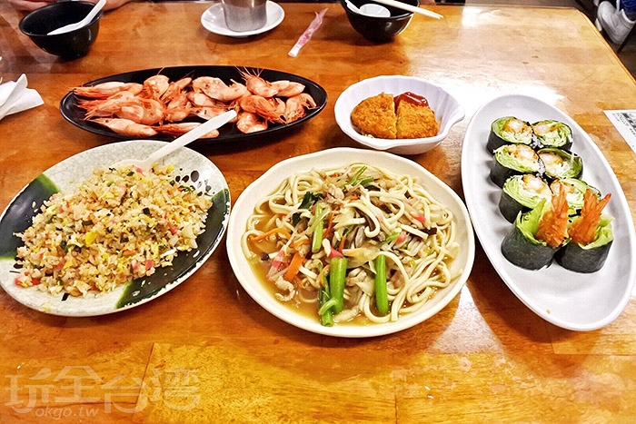 餐點種類蠻多的,如果人多的話,建議點多項一起share比較划算~而且可以吃更多種類/玩全台灣旅遊網特約記者阿辰攝