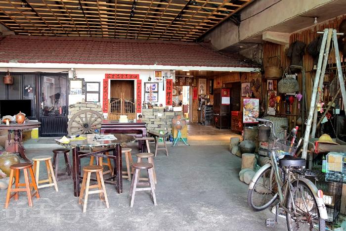 用餐,請往裡面走..如果沒有人介紹分享,從外觀幾乎看不出它是間餐廳吧! /玩全台灣旅遊網特約記者阿辰攝