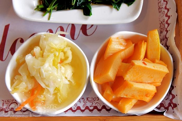 套餐內另附兩種漬物,泡菜是基本固定的,微酸脆口,夏季品嘗特別開胃,另一樣就依當天供應為主,當天提供的是醃製筍子/玩全台灣旅遊網特約記者阿辰攝