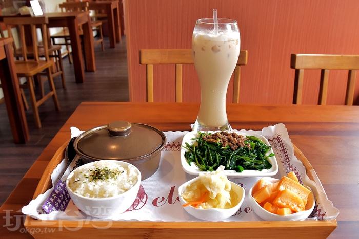 [紅燒小封肉套餐+錫蘭奶茶]/玩全台灣旅遊網特約記者阿辰攝