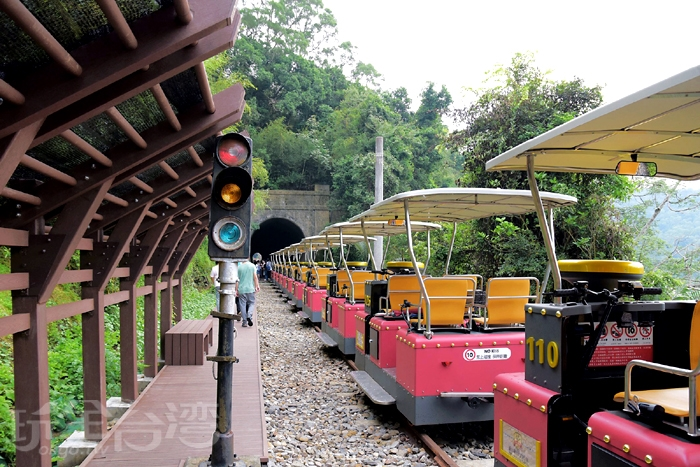 舊山線鐵道自行車會停在6號隧道口前!/玩全台灣旅遊網特約記者小玉兒攝