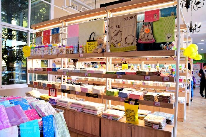 多款毛巾販賣區/玩全台灣旅遊網特約記者小玉兒攝