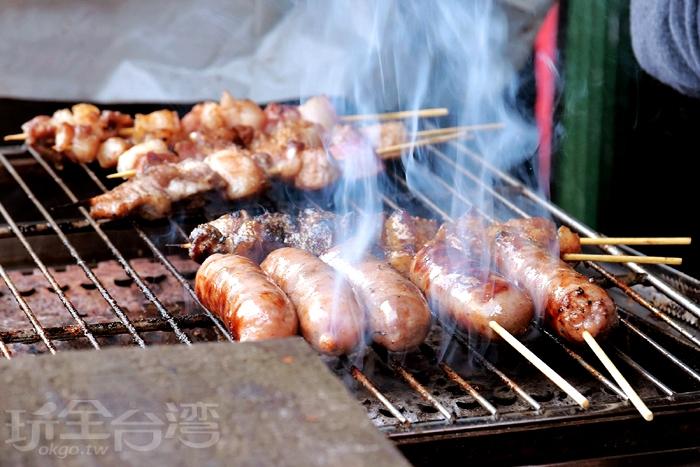 馬告香腸 & 手工肉串/玩全台灣旅遊網特約記者小玉兒攝