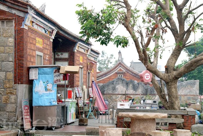 古厝內攤販/玩全台灣旅遊網特約記者小臻攝 一些古早味小吃