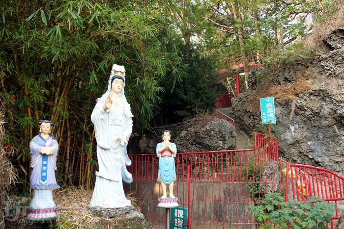 各區域會有不同主題命名,沿途隨處可見綠色立牌。/玩全台灣旅遊網特約記者阿辰攝