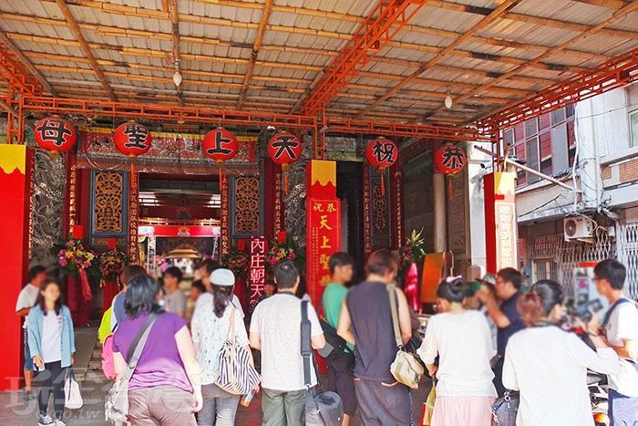 穿過府城頗具歷史的「算命街」來到著名一級古蹟/玩全台灣旅遊網特約記者阿辰攝