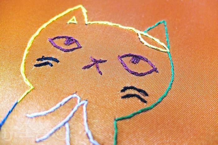 縫一隻阿喵整整花了伙伴們一個多小時時間彩色阿喵這眼神我喜歡/玩全台灣旅遊網特約記者阿辰攝