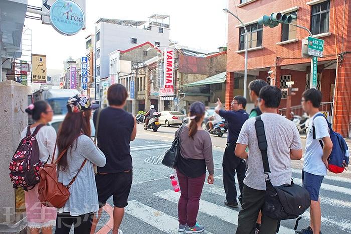 感謝這次遊程的導覽人吳老師/玩全台灣旅遊網特約記者阿辰攝