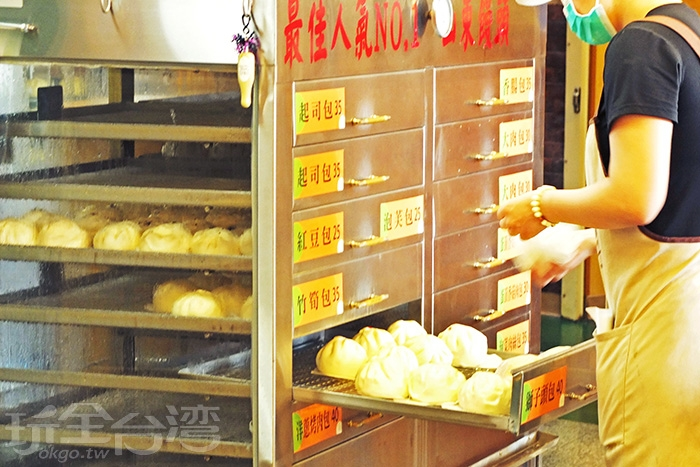 回程時,特別繞回省道上這間「小杜包子」買包子/玩全台灣旅遊網特約記者阿辰攝