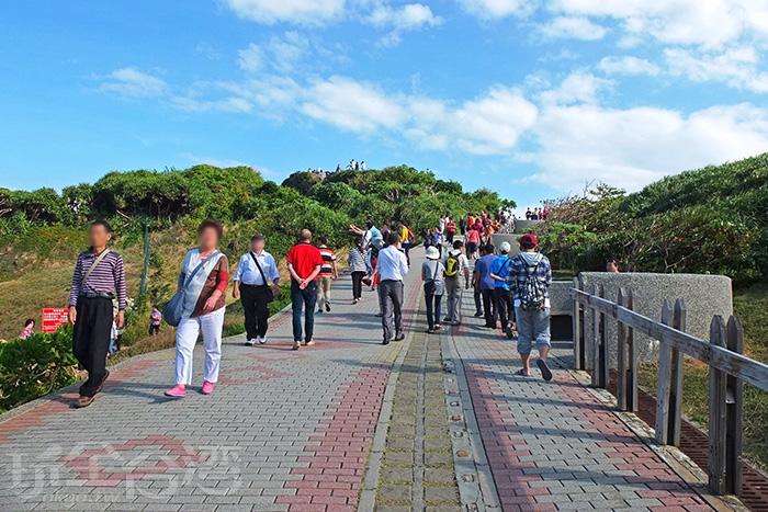通往海岸高處眺望點的必經之路/玩全台灣旅遊網特約記者阿辰攝