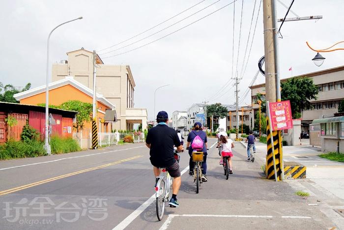 騎腳踏車遊玩虎尾/玩全台灣旅遊網特約記者小玉兒攝