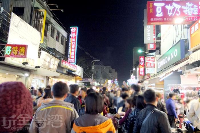 文化路夜市全年無休/玩全台灣旅遊網特約記者阿辰攝