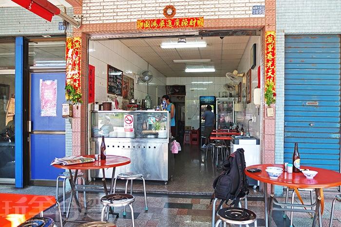 店裡的座位桌子約六張左右/玩全台灣旅遊網特約記者阿辰攝
