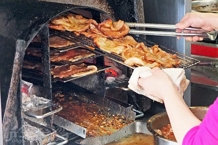 「博義師燒肉飯」是高雄南華觀光市場周邊很知名的美食之一。/玩全台灣旅遊網特約記者阿辰