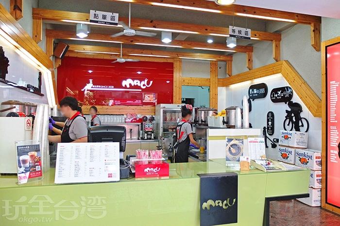 剛抵達麻古茶坊裕誠總店環境乾淨整潔,有寬敞的等候空間/玩全台灣旅遊網特約記者阿辰攝