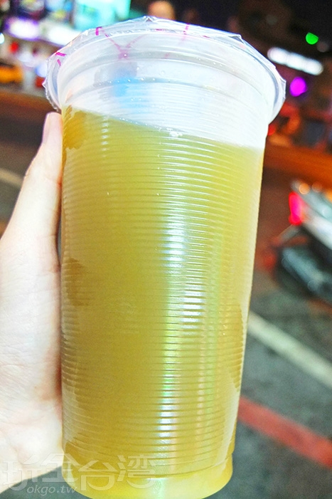 帶著自然的青綠色,薄荷味明顯較重,天然微甜的口味/玩全台灣旅遊網特約記者阿辰攝