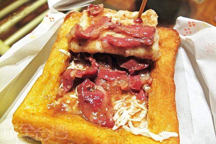 內餡為羊肉口味。/玩全台灣旅遊網特約記者阿辰攝