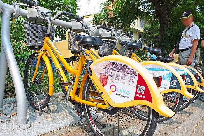 先來到屏東火車站前的P-BIKE租借站(唐榮國小站)租腳踏車/玩全台灣旅遊網特約記者阿辰攝