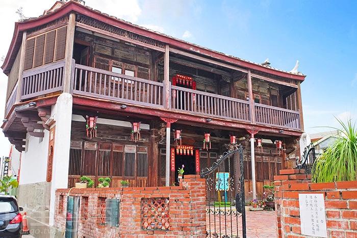 八角樓樓高兩層,重簷屋頂八角分執,每角略為翹起。/玩全台灣旅遊網特約記者阿辰攝
