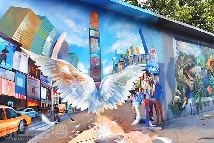 超級KUSO的3D彩繪牆面。/玩全台灣旅遊網特約記者隱月攝