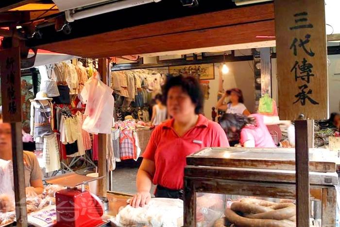 第一市場內的東坡煙腸被在地人公認為最好吃煙腸。/玩全台灣旅遊網特約記者隱月攝