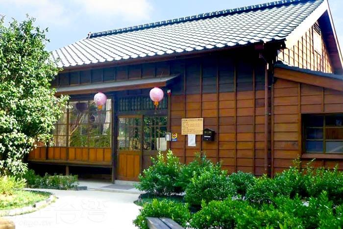 新埔宗祠客家文化導覽館內十分幽靜舒適。/玩全台灣旅遊網特約記者隱月攝