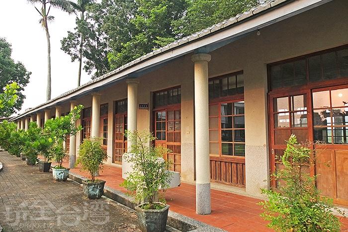 建校已超過百年歷史的後壁樹人國小,有一排飄散日式風情的舊校舍,引人注目!/玩全台灣旅遊網特約記者阿辰攝