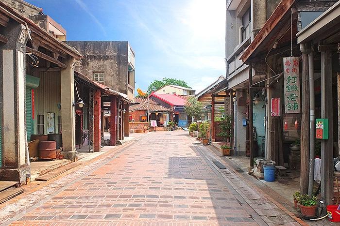 早在清代建造的橋南老街,是鹽水鎮內最古老的街道。/玩全台灣旅遊網特約記者阿辰攝