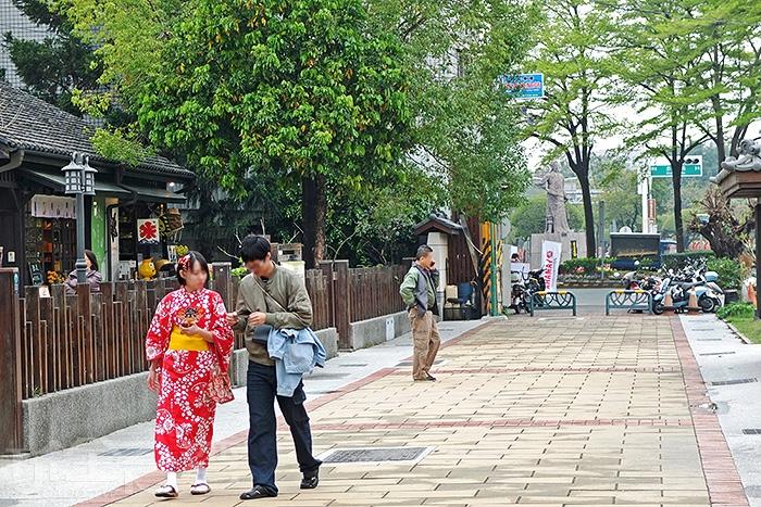 街上隨時可見穿著日本和服的遊客。/玩全台灣旅遊網特約記者阿辰攝