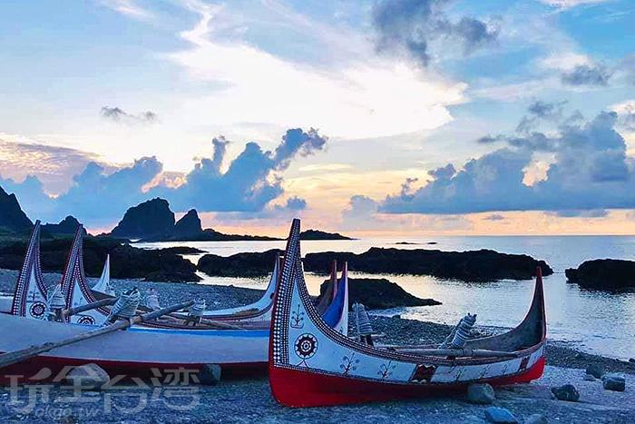 拼板舟是最能夠代表蘭嶼的景象。/玩全台灣旅遊網特約記者隱月攝