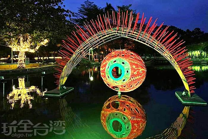 五彩繽紛的超華麗燈飾。/玩全台灣旅遊網特約記者隱月攝