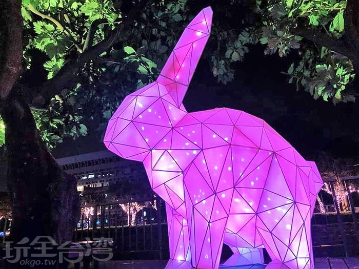 哇哇哇!還有紫色的大玉兔!/玩全台灣旅遊網特約記者隱月