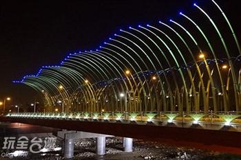 越夜越美麗,台中大坑最美的四座景觀橋!