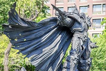 亞洲第一座魔獸雕像,巫妖王「阿薩斯」威震台中