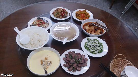 6人份行旅晚餐,5菜1湯。(詹媽媽加菜) 相片來源:瑞里詹德仁茶園民宿
