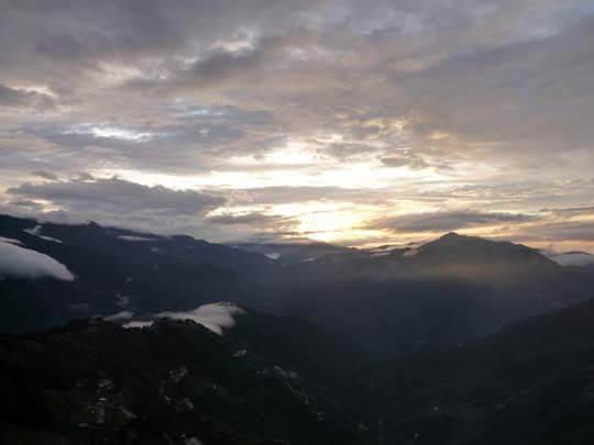 營區盛況 相片來源:拉拉山露營.雲頂休閒露營區