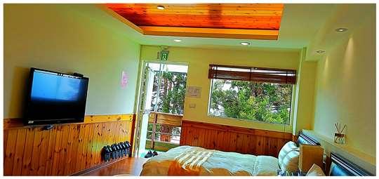 四人景觀房 相片來源:拉拉山露營.雲頂休閒露營區