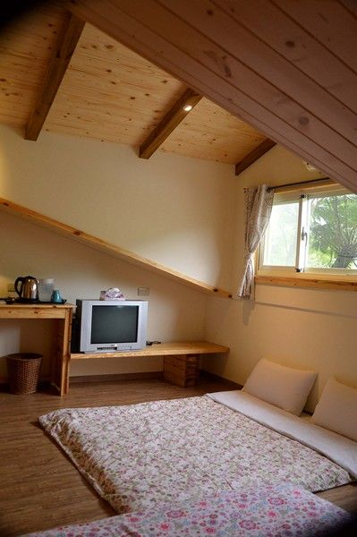 閣樓木屋二人房加床可睡四人