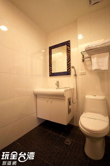 2F房間1-衛浴