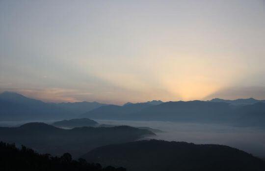 金龍曙光 相片來源:日月潭民宿~紅茶工房
