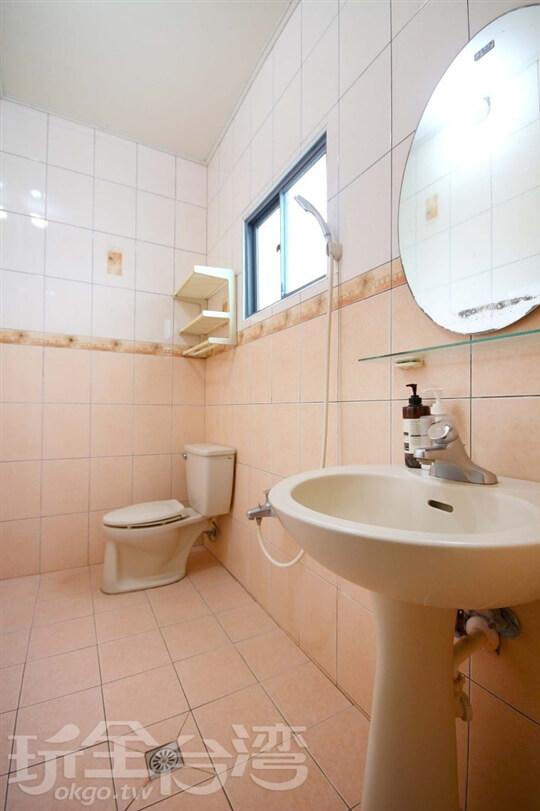 共用衛浴 相片來源:綠島包棟住宿·inmyhouse在自己家包棟民宿