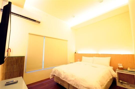 綠堤濱海旅店~~標準雙人房