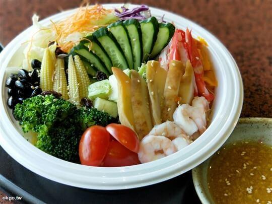 *鮑魚海鮮沙拉* 相片來源:淺田屋日式料理