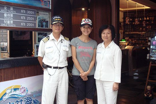 三立台灣尚青主持人阿嬌 相片來源:日月潭水社海觀光遊艇(股)有限公司