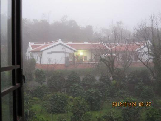 矇霧中的懷古驛棧民宿 相片來源:古坑懷古驛棧民宿